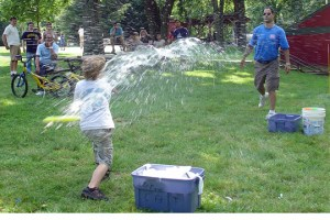 field games - water balloon baseball - splash - web