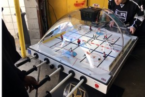 stanleycupbubblehockey-playing-web